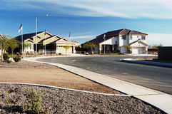 Vorbildliche Häuser auf Bildschirmanzeige Stockfotos