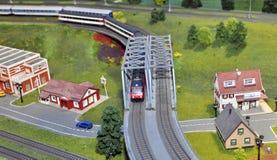 Vorbildliche Miniatur des Zugs Lizenzfreie Stockfotografie