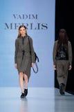 Vorbildliche Wegrollbahn für Brücke VADIM MERLIS an Fall-Winter 2017-2018 bei Mercedes-Benz Fashion Week Russia Stockbilder