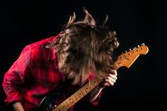 Vorbildlicher Red Flannel Shirt-Gitarren-Kopf unten Stockbild