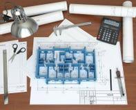 vorbildliches Haus 3D auf dem Tischplattenarchitekten Lizenzfreie Stockfotografie