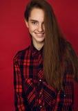 Vorbildliches Porträt mit jungem schönem Mode-Modell Lizenzfreie Stockfotografie