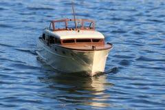 Vorbildliches Radio Controlled Boat Lizenzfreies Stockfoto