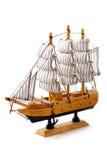 Vorbildliches Schiff auf weißem Hintergrund lizenzfreie stockfotos