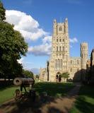 Vorderansicht der Ely Kathedrale Lizenzfreie Stockbilder