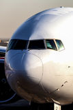 Vorderansicht des Flugzeuges Stockfotos