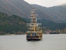 Vorderansicht des Piratenschiffs Stockbild