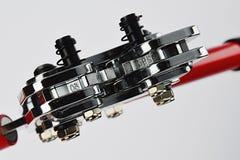Vorderansicht des sechseckigen am Endequetschwerkzeugs der justierbaren Batterie, geöffnete Kiefer, sichtbare drehende sechseckig lizenzfreie stockfotos
