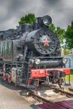 Vorderansicht einer altmodischen Dampflokomotive lizenzfreie stockbilder
