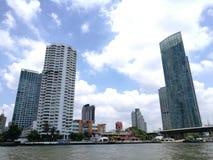Vorderansicht Thailand-Flusses stockfotografie