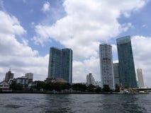 Vorderansicht Thailand-Flusses lizenzfreies stockfoto