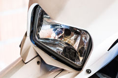 Vordere Leuchte des Motorrades Lizenzfreie Stockfotos