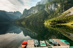 Vorderer Gosausee in Austria di estate, riflessione in acqua Fotografia Stock