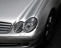 Vorderes Detail des Autos Stockfoto