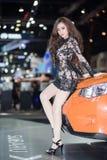 Vorführer im sexy Kleid an der 30. internationalen Bewegungsausstellung Thailands am 3. Dezember 2013 in Bangkok, Thailand lizenzfreies stockfoto