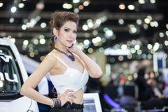 Vorführer im sexy Kleid an der 30. internationalen Bewegungsausstellung Thailands am 3. Dezember 2013 in Bangkok, Thailand Lizenzfreie Stockfotos