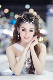 Vorführer im sexy Kleid an der 30. internationalen Bewegungsausstellung Thailands am 3. Dezember 2013 in Bangkok, Thailand lizenzfreies stockbild