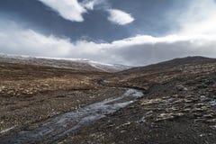 Vorfrühlingsmorgen in Patreksfjordur, Westfjords, Island Stockfotografie