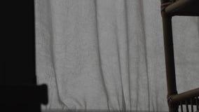 Vorhänge bewegen sich in den Wind stock video footage