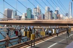 Vorhängeschlösser auf Brooklyn-Brücke Lizenzfreies Stockbild