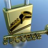 Vorhängeschloß mit Erfolgs-darstellender Strategie-Schlüsselplanung und Lösungen Lizenzfreie Stockfotos