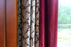Vorhang und Fenster stockfoto