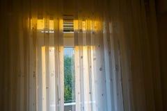 Vorhang und Tageslicht Stockfotografie