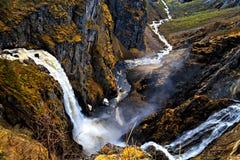 Voringfossen Norge, den viktiga vattenfallet i land Royaltyfri Fotografi