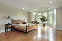 Vorlagenschlafzimmer im Luxuxhaus Lizenzfreie Stockbilder