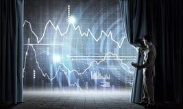 Vorlegen des Jahresberichts Lizenzfreie Stockfotos