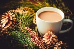 Vorm een koffie tot een kom Stock Fotografie