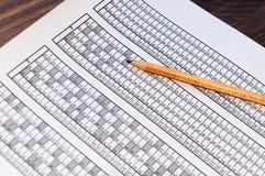 Vorm voor het examen met het potlood die op het liggen testing Selectieve nadruk royalty-vrije stock fotografie