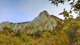 Vormingen van de de toppenrots van Clay Cliff de lange in Omarama royalty-vrije stock foto's