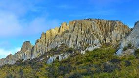 Vormingen van de de toppenrots van Clay Cliff de lange in Omarama royalty-vrije stock afbeeldingen