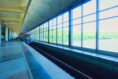 进来Vorobyovy血污驻地的火车 免版税库存照片