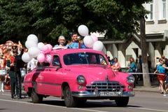 Voronezh, Ρωσία: Στις 12 Ιουνίου 2016 Παρέλαση των θεάτρων οδών μια λεπτή ηλιόλουστη ημέρα Διασκέδαση, χαρά στοκ φωτογραφία με δικαίωμα ελεύθερης χρήσης