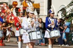Voronezh, Rosja: Czerwiec 12, 2016 Parada uliczni teatry na świetnym słonecznym dniu Zabawa, radość zdjęcia royalty free