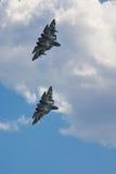 VORONEZH, RUSLAND - MEI 25, 2014: Twee nieuwe Russische vechters van vijfde generatie t-50 Royalty-vrije Stock Foto's