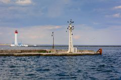 Vorontsov fyr i Odessa, Ukraina Seascape p? Black Sea arkivfoton
