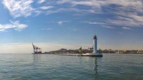 Vorontsovvuurtoren in de Haven van Odessa, de Oekraïne stock afbeelding