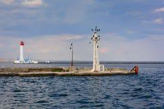 Vorontsovvuurtoren in Odessa, de Oekra?ne Zeegezicht op de Zwarte Zee stock foto's