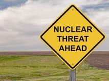 Vorsicht - atomare Bedrohung voran Stockfoto