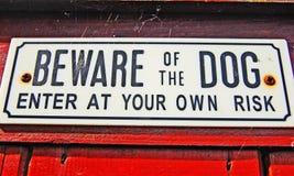 Vorsicht, bissiger Hund Lizenzfreie Stockfotos