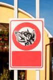 Vorsicht, bissiger Hund Zeichen Stockfoto