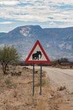 Vorsicht-Elefanten Namibia Stockbilder