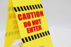 Vorsicht tragen nicht Signage ein Lizenzfreie Stockfotografie