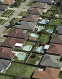 Vorstadtnachbarschafts-Antenne u. Schwimmbäder Stockbilder