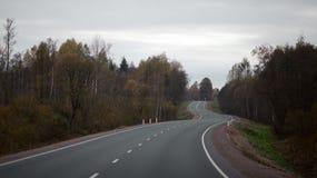 Vorstadtstraße in Russland Lizenzfreies Stockfoto