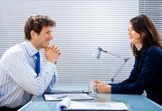 Vorstellungsgespräch im Büro Stockfotos