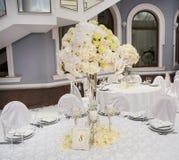 Vorzüglich verzierte Hochzeitstafeleinstellung Lizenzfreie Stockfotografie